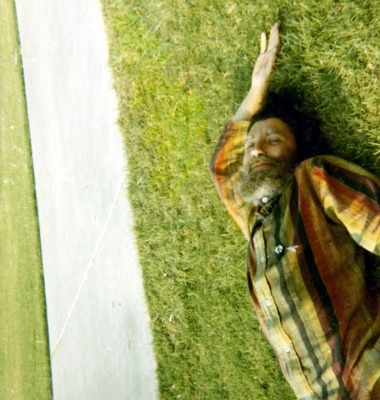 JML on grass, 1969 (Source: Anne Tardos)